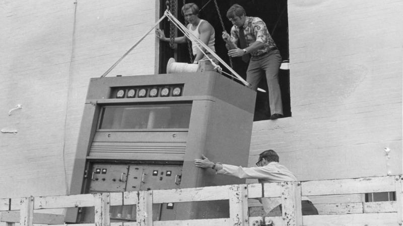 """WERG in the 1970's: """"new"""" transmitter being installed in the Nash Library"""